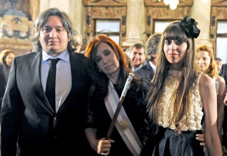 Cristina, Máximo y Florencia, sin fondos.