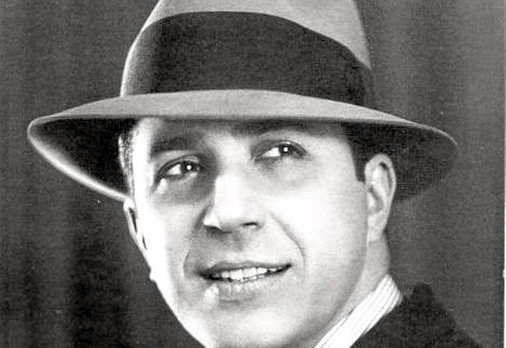 Carlitos. El Morocho del Abasto lo estrenó en el entonces teatro Esmeralda, hoy Maipo, el 3 de enero de 1917. Rápidamente se volvió un éxito.
