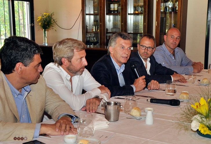 Mauricio Macri con intendentes de Cambiemos de la provincia de Buenos Aires en Tres de Febrero