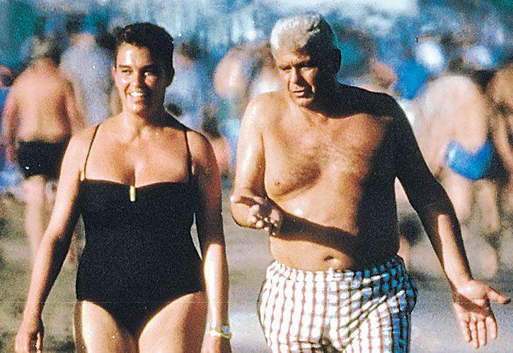autoria. La foto de Cabezas a Yabrán y su esposa, en Pinamar, el 16/2/1996.