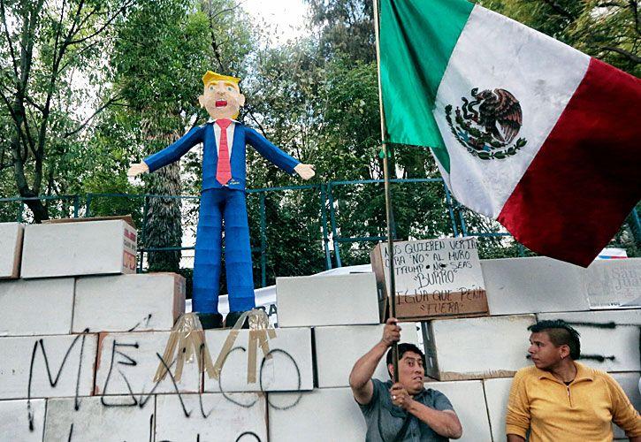 Protesta. Los mexicanos salieron a las calles para repudiar al nuevo presidente de EE.UU.