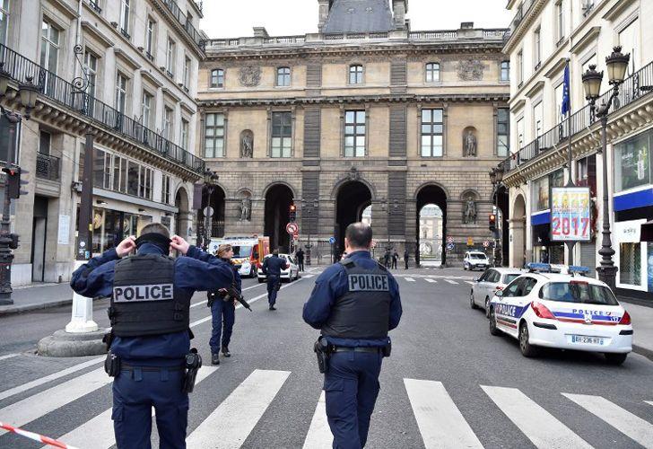 Ataque al Louvre