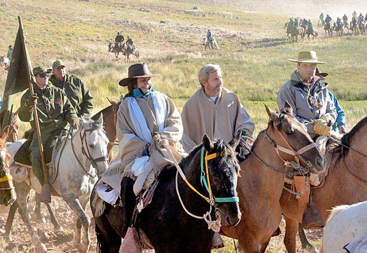 expedicion. La ministra de Seguridad participó del cruce de los Andres. En la foto junto a Rogelio Frigerio y el gobernador Sergio Uñac.