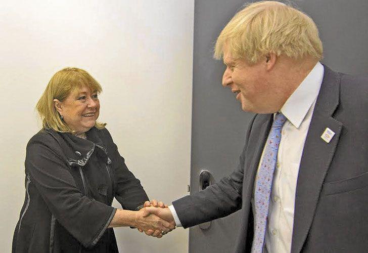 Bilateral. La canciller y Boris Johnson, quien está previsto que visite el país durante este año.