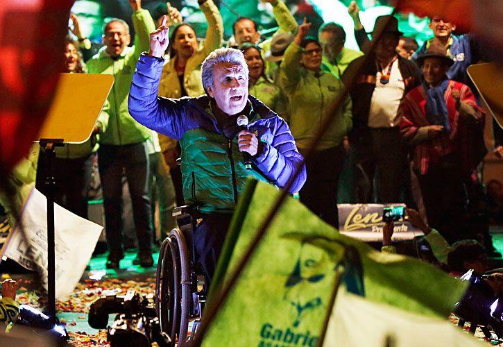 Delfin. El ex vicepresidente ecuatoriano perdió la movilidad en sus piernas en 1998, cuando recibió un disparo en la médula. El correísmo apuesta a su moderación para convencer a indecisos.