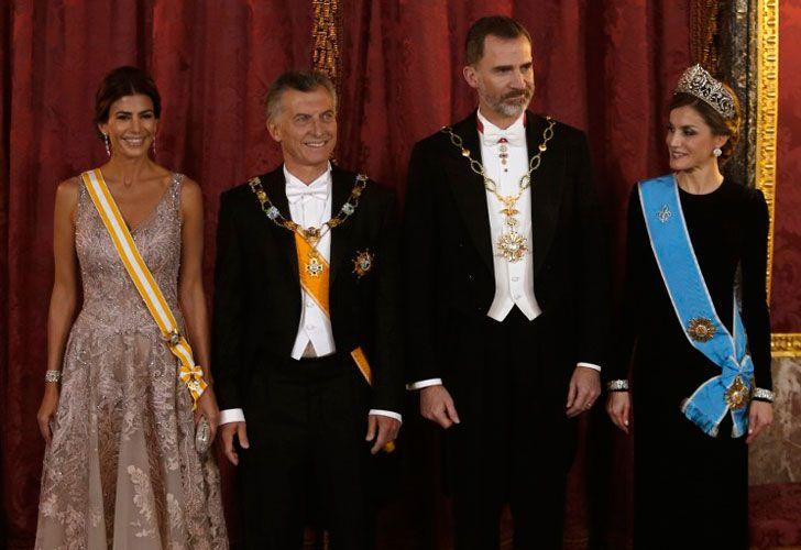 Macri y su esposa junto a los reyes de España