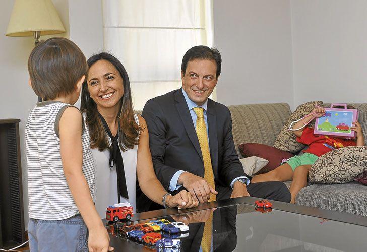 CASO 1: Ximena Liggerini y su marido Pablo Comadira tienen dos hijos, Julio de 4 años y Sofía de 2.
