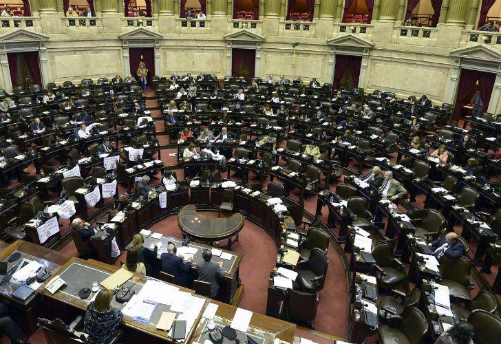 Diputados aprobó en octubre una reforma política. Senadores la postergó sin fecha.