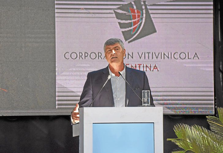 SIN BROTES. Ayer, en Mendoza, el ministro de Agroindustria habló sobre el desafío lechero.