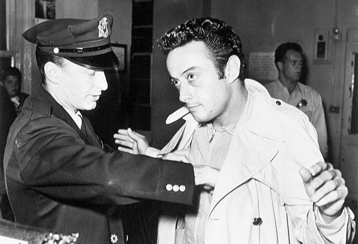 Morales. Luego de ser arrestado varias veces por obscenidad, finalmente fue condenado en 1964.