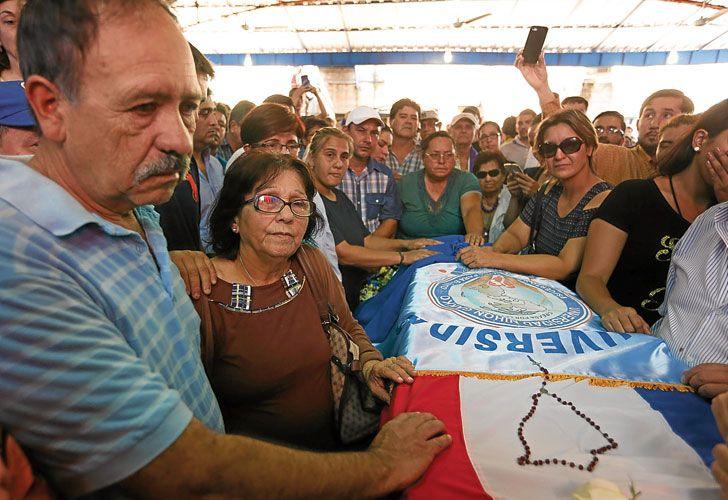 Video. La muerte del joven Rodrigo Quintana. Ayer, su velorio convocó a cientos de personas.