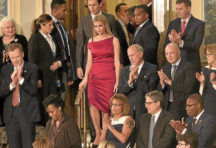 Presencia. Ivanka y Kushner son algo más que la hija y el yerno de Trump. Están en la mesa del poder.