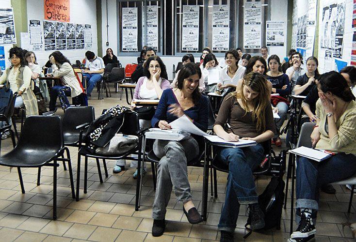 Salir del aula. La vida universitaria conlleva una capacidad innovadora que le permite a los futuros profesionales adecuarse a los desafíos de sus tiempos.