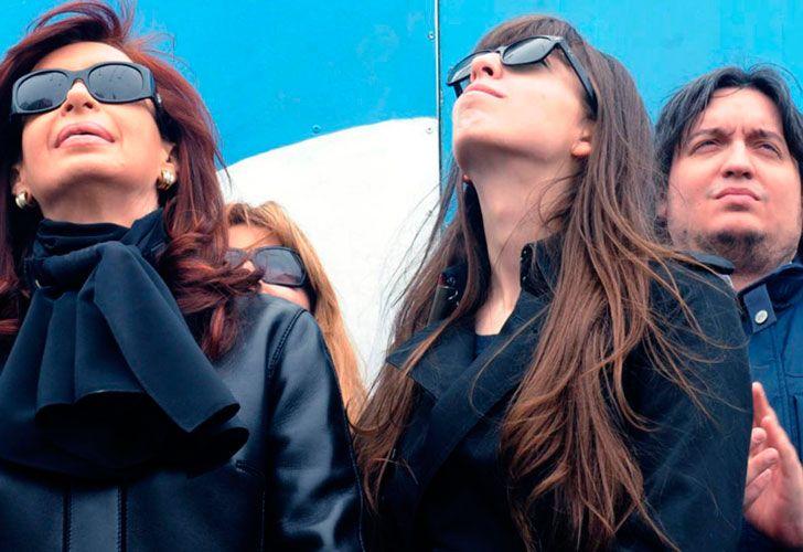 CFK junto a sus hijos