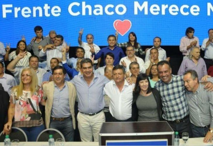 Frente Chaco Merece más, encabezado por el gobernador, Domingo Peppo.