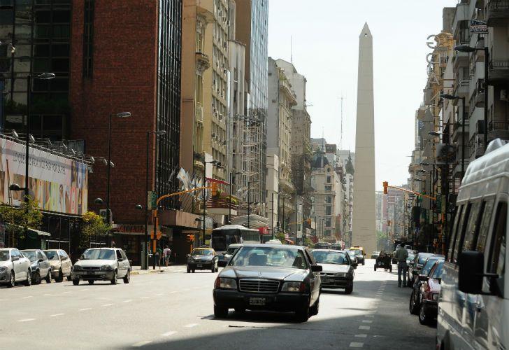 Ante la falta de transporte público, el Ejecutivo porteño decidió no cobrar los peajes en toda la red de autopistas urbanas, además de permitir estacionar en calles y avenidas.