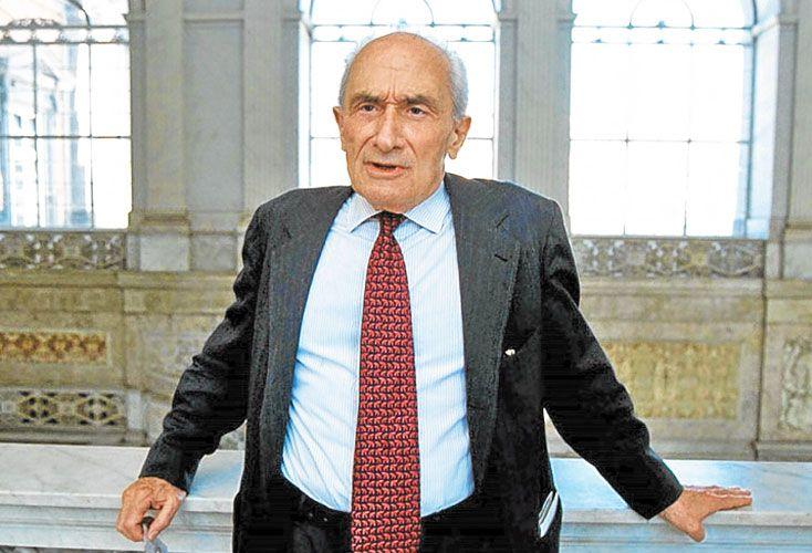 Sartori. Además de ser el autor de muchos libros, fundó en 1971 la prestigiosa Revista Italiana de Ciencia Política.
