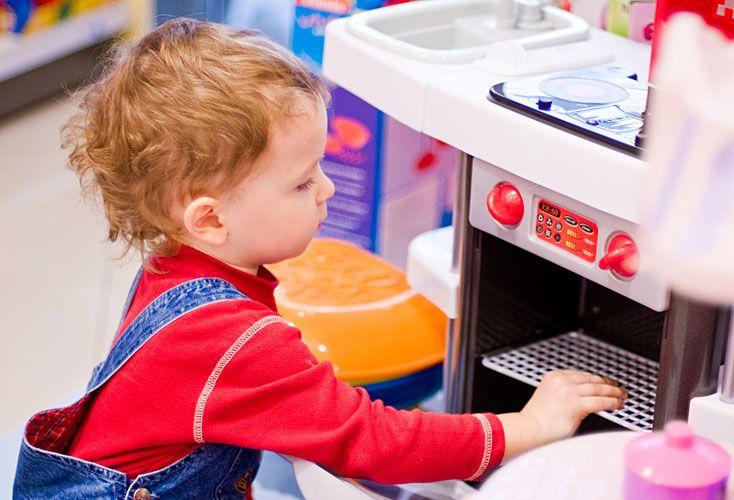 Cocinita. Los chicos no discriminan juguetes; los padres, sí.