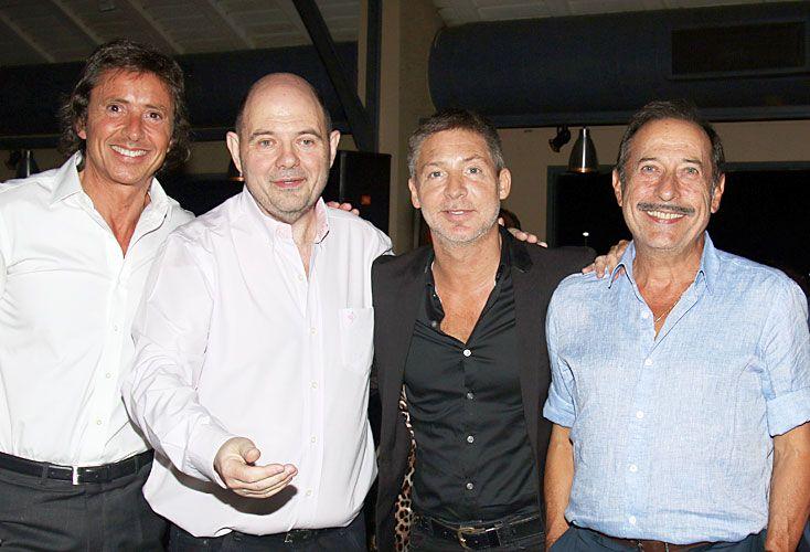 Invitados. Gustavo Bermúdez, el homenajeado, Adrián Suar y Guillermo Francella en la cena.