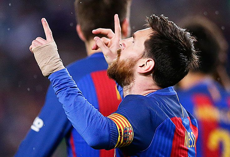 AL CIELO. Dos goles y una asistencia para una buena tarde de Leo. El Real también ganó con lo justo.