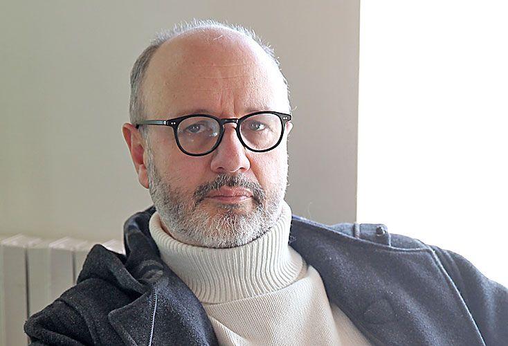 Fresan. Vive en Barcelona, donde se convirtió en una especie de faro de escritor latinoamericano.