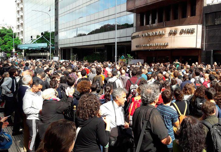 Protesta en el INCAA