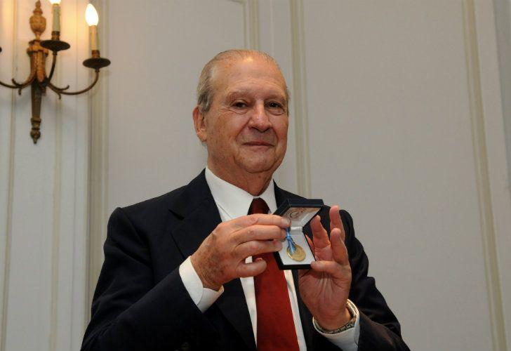 """Enrique Pescarmona fue reconocido por sus """"muy elevados y reconocidos méritos en el desarrollo industrial"""""""