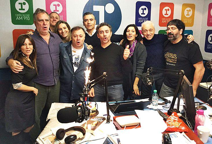 CERCA. La segunda mañana fortalece a La Red, con Majul 910 y la tira deportiva de Gustavo López. Navarro y Radio 10 lo padecen y se reduce la brecha entre segundo y tercero.