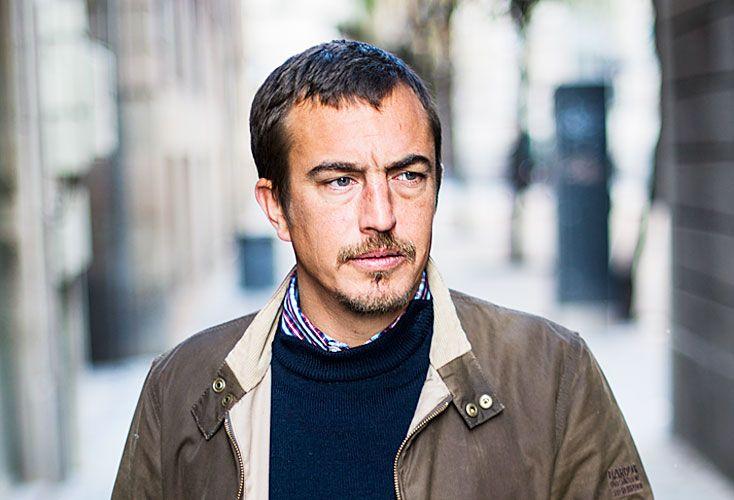 Bourdeaut. Nació en 1980 en Nantes. Actualmente reside en España. Esta es su primera novela.