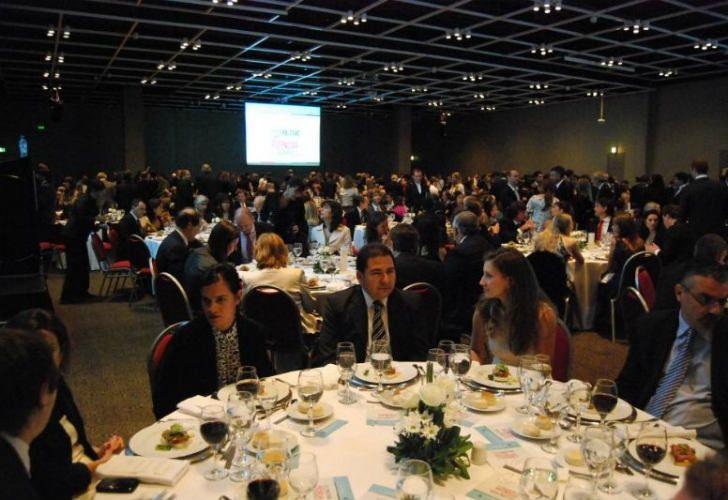 La cena anual de CIPPEC será en el Hilton.