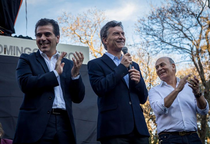 Mauricio Macri junto al Momo Venegas y Cristian Ritondo.