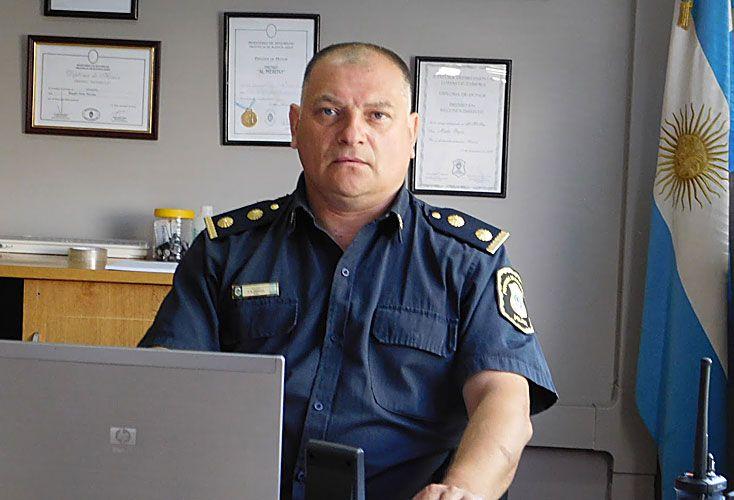 Condecorado. El comisario inspector Félix Breglia tenía diploma de honor por labor de servicio.