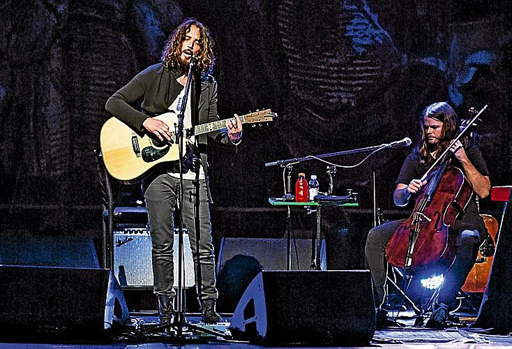 En el Colón. El cantante dio un memorable show acústico el pasado 14 de diciembre donde presentó su último disco solista.