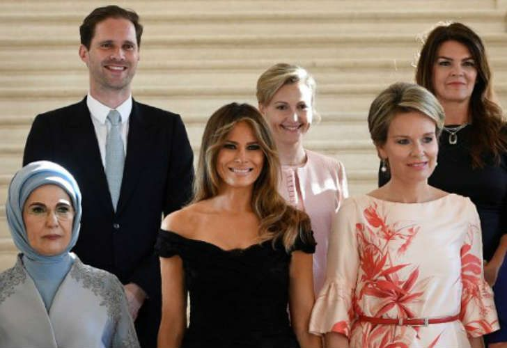 La primera dama de Turquía Emine Gulbaran Erdogan, la primera dama estadounidense Melania Trump, la reina Matilde de Bélgica, el primer caballero de Luxemburgo Gauthier Destenay, la pareja del primer ministro de Eslovenia Mojca Stropnik y la primera dama de Islandia Thora Margret Baldvinsdottir.