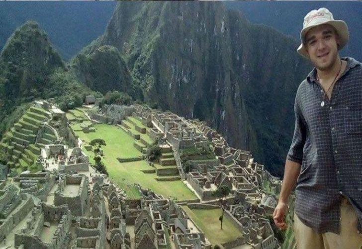 El 4 de mayo el joven le dijo a su familia que visitaría las ruinas por un camino alternativo.