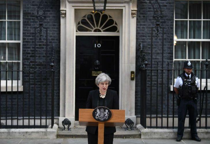 Theresa May en la puerta de Dowing Street, número 10.