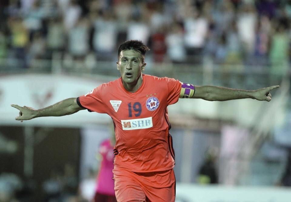 Merlo nació en Jovita y ya convirtió más de 140 goles en Vietnam. Espera obtener la nacionalidad: sus dos hijos son vietnamitas.