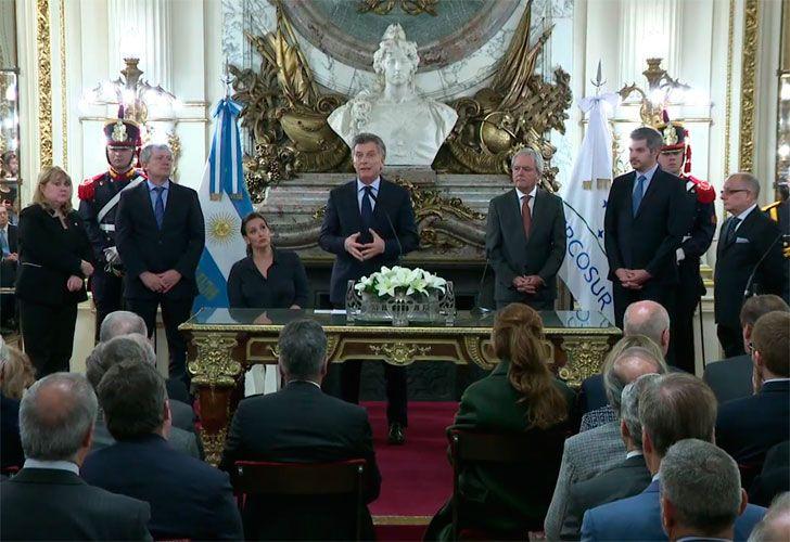 El presidente Mauricio Macri toma juramento al nuevo Canciller Jorge Faurie