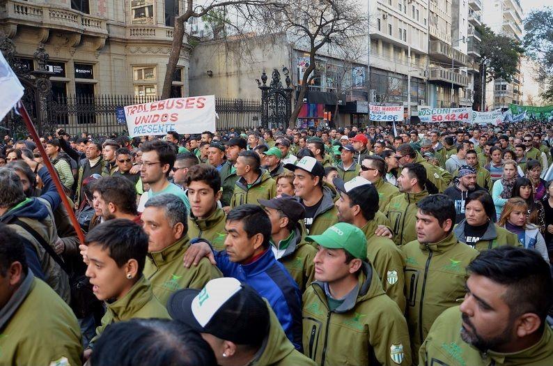 Protestas de los colectiveros en Córdoba Capital.