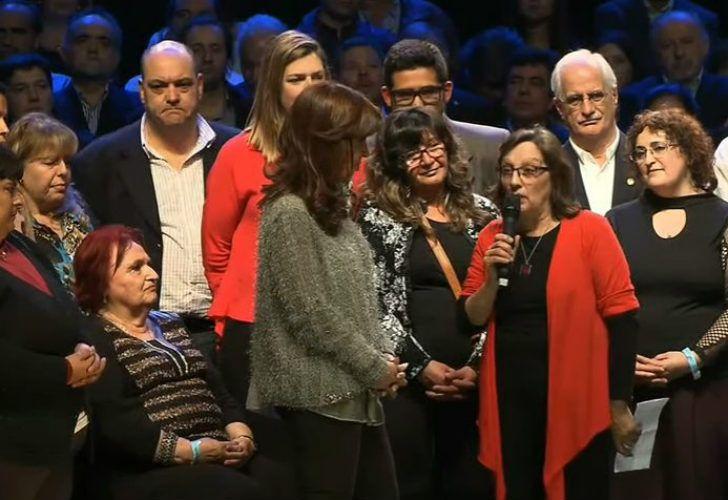 Cristina Fernández lanzó su campaña en Mar del Plata.