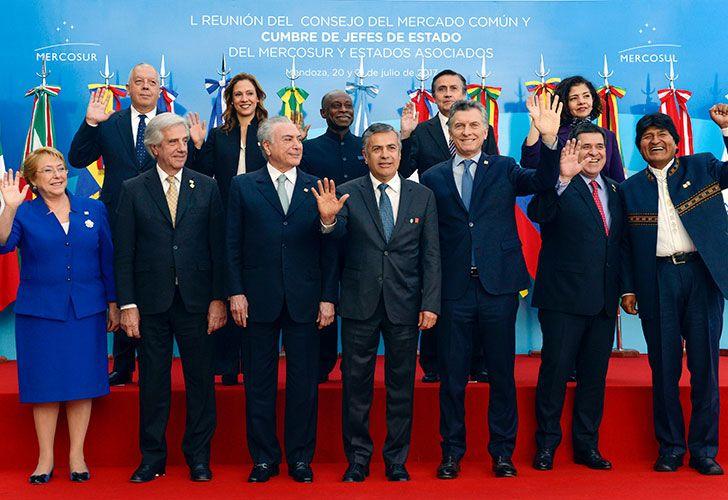 Los presidentes en la reunión cumbre de jefes de estado del Mercosur y estados asociados.