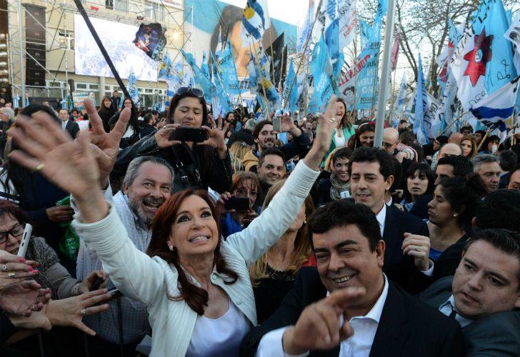 Cristina en 2015, durante la primera inauguración. Desde la oposición aseguraban que sólo habían habilitado un tramo de la obra.