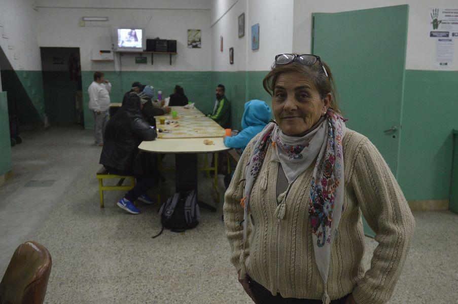 MARIA INES. Lleva más de 12 años trabajando en el refugio municipal Sol de Noche de Juniors.