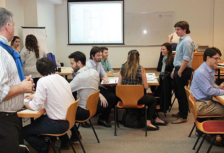 Convivencia. En las aulas están presentes diferentes formatos. Así, también, el trabajo en grupo fortalece el equipo en cuanto a calidad humana y educativa.