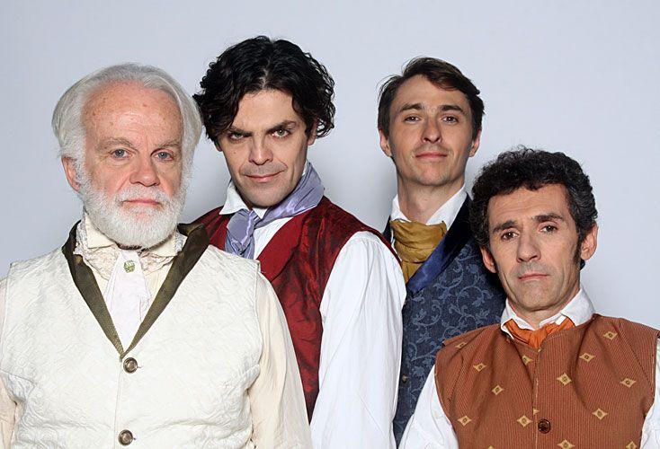 El elenco de Coronados de gloria, la obra que habla de cómo se gestó el Himno Nacional, que se presenta en el Teatro del Pueblo.