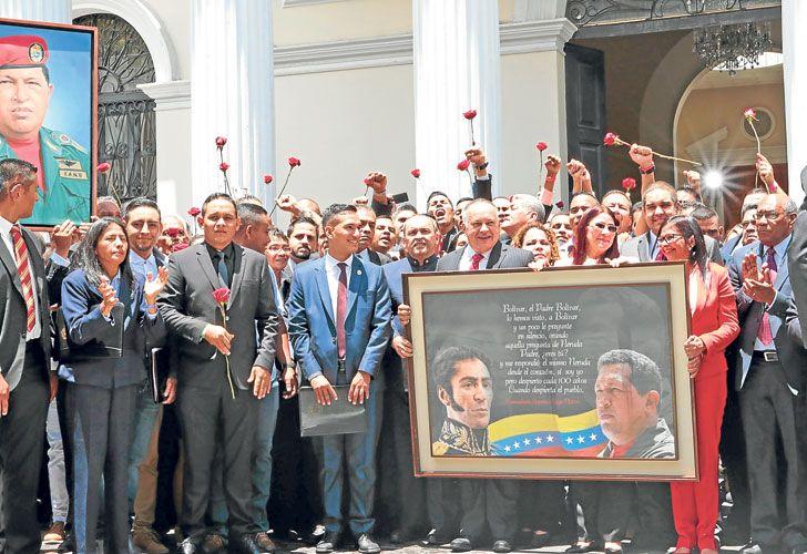 Oidos sordos. Los asambleístas chavistas estrenaron la Constituyente en el Parlamento luego del reclamo de la Santa Sede.