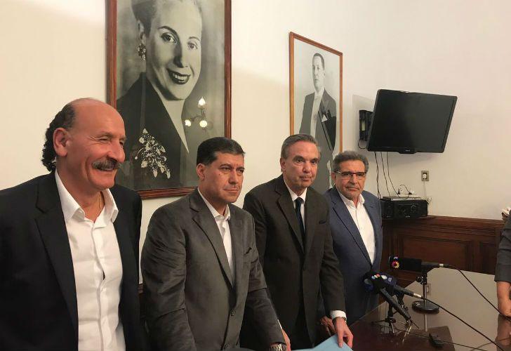 Miguel Ángel Pichetto junto a Sergio Casas, Luis Beder Herrera y Jorge Yoma.