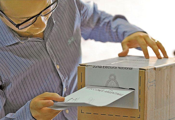 Votar. Acto valorado como un logro vital por quienes padecieron la dictadura.