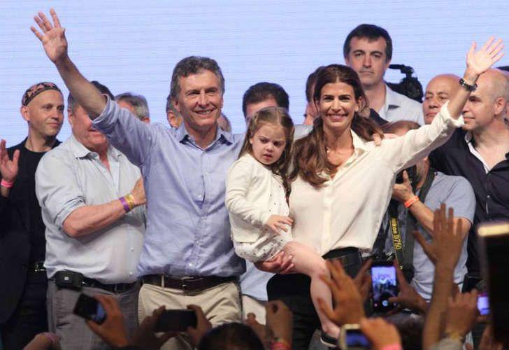 Antonia y Juliana en el búnker Pro en las elecciones anteriores