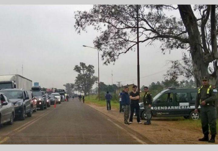 El gobierno ordenó mayores controles con Paraguay por temor a votantes
